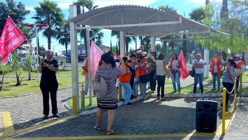 Servidores de Aragoiânia realizam assembleia com indicativo de greve