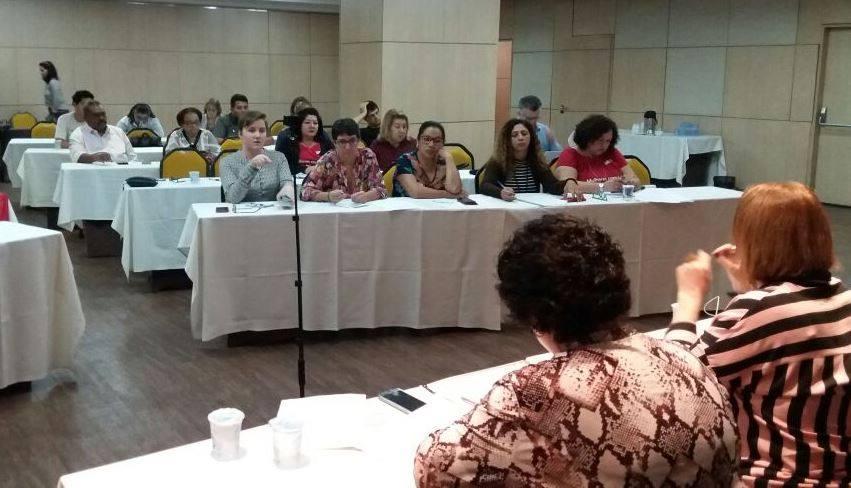 Sindsaúde participa de encontro Internacional de Serviço Público