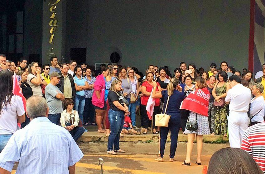 Prefeitura de Anápolis nega titulação e servidores reagem com novo protesto