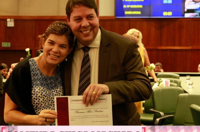 Presidente do Sindsaúde é homenageada com Comenda Chica Machado