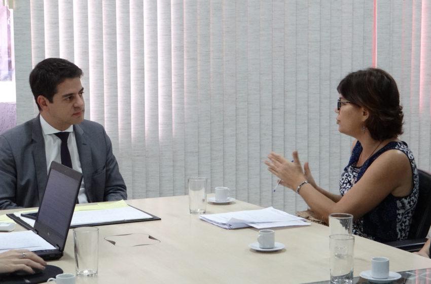 Estado: em reunião com secretário, Sindsaúde cobra recomposição salarial da saúde