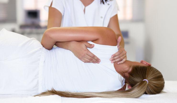 Filiados ao Sindsaúde têm descontos em clínica de quiropraxia