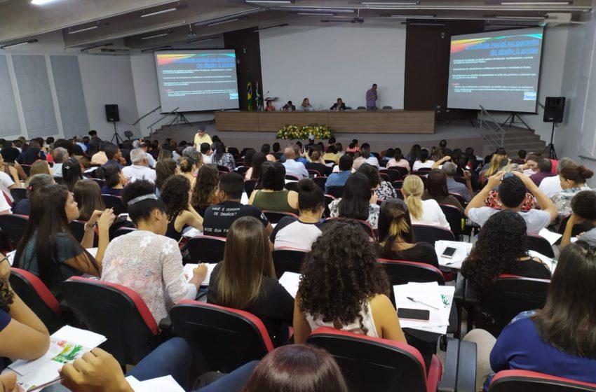 """9ª CONFERÊNCIA: """"O desafio é romper a privatização e a terceirização que destrói o SUS"""", alerta a presidenta do Sindsaúde"""