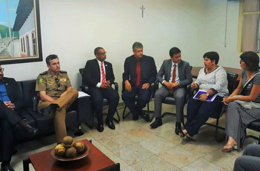 ESTADO: reajuste do Ipasgo é tema de reunião com Governo