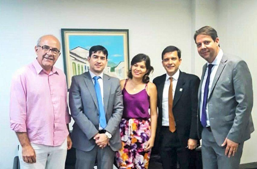 ESTADO: secretário da Casa Civil se compromete com pautas da saúde