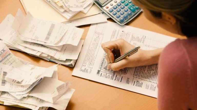 Justiça Suspende a Cobrança dos Empréstimos Consignados dos Aposentados