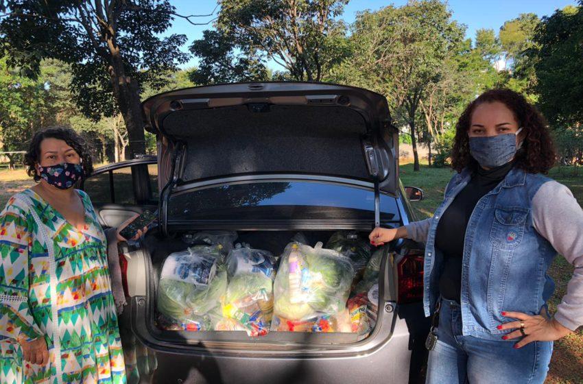 Eu defendo a saúde, do Sindsaúde, doa cestas básicas