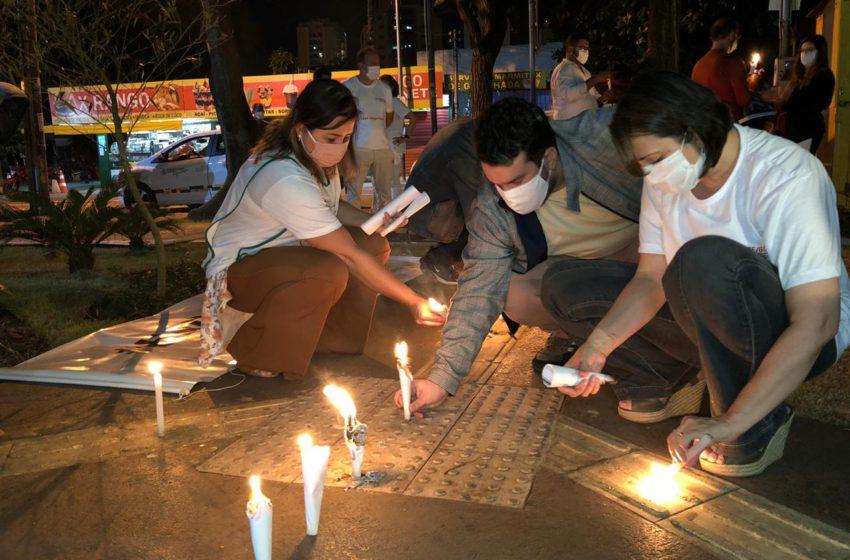 Ato no HMI: homenagem aos servidor@s vítimas da covid-19 e pela vida