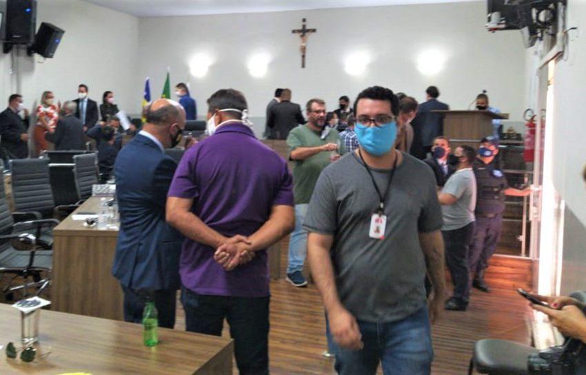 ANÁPOLIS: vereadores autorizam prefeitura a suspender pagamento destinado à aposentadoria dos servidores municipais