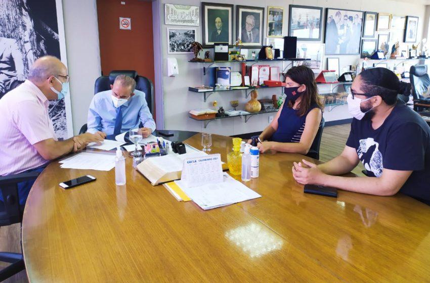 Sindsaúde se reúne com Iris Rezende para discutir progressão e plano de carreira