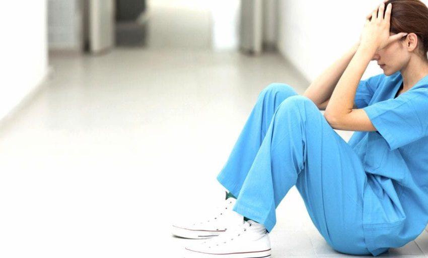 Choro, estresse e tristeza: profissionais de saúde estão no limite da exaustão, aponta Fiocruz
