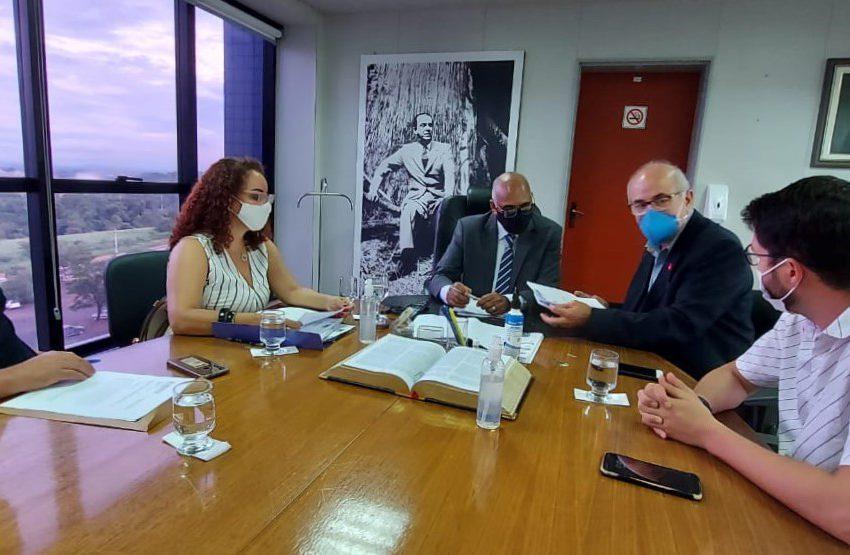 GOIÂNIA: Sindsaúde entrega proposta de plano carreira dos ACS e ACE ao novo prefeito