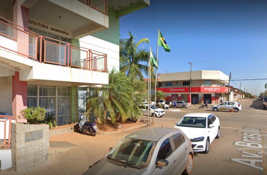 Auxílio-transporte é tema de reunião com prefeito de Aragoiânia