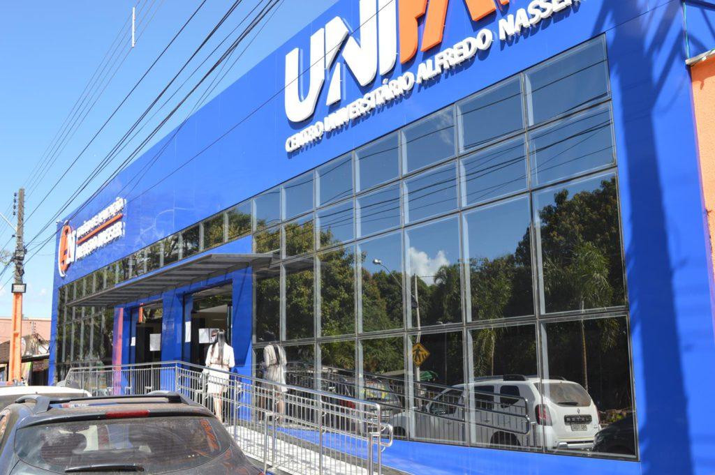 Sindsaúde fecha parceria com a Unifan