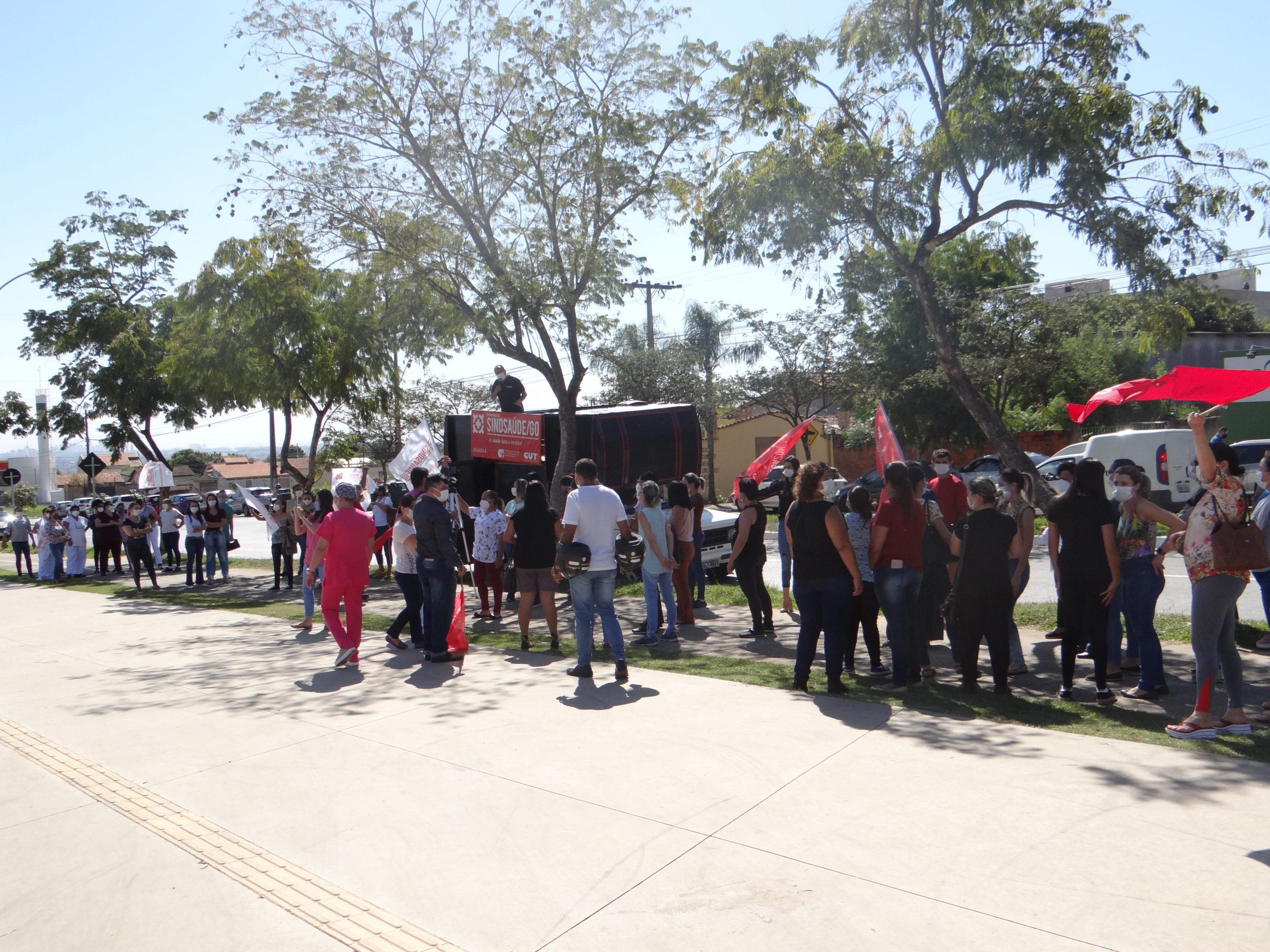 Trabalhadores de Aparecida de Goiânia pressionam e Gustavo Mendanha se reúne com o Sindsaúde