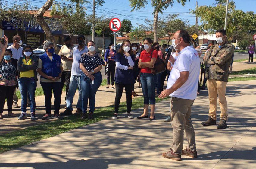 Profissionais da saúde de Aparecida de Goiânia fazem protesto nesta quinta-feira (13)