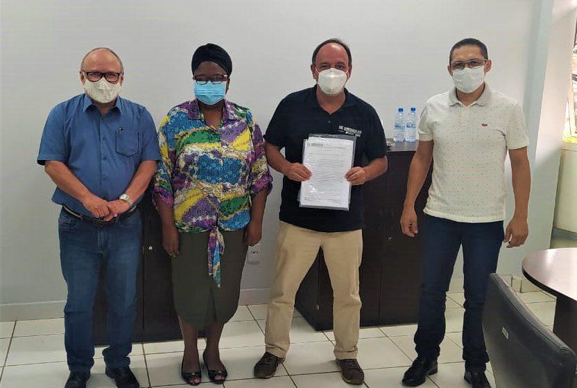 Sindsaúde cobra pagamento de direitos trabalhistas em Anápolis