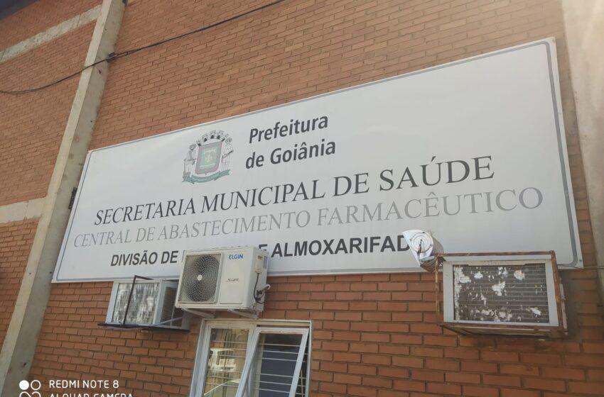 Sindsaúde e a Comissão de Saúde visitam almoxarifado de Goiânia e encontram situação caótica